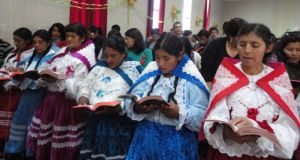 EAQ women reading